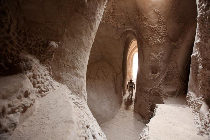 carved-cave-8