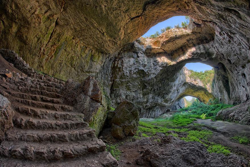 """Cueva """"devetashkata Peshtera"""" - Bulgaria (imagen de Google)"""