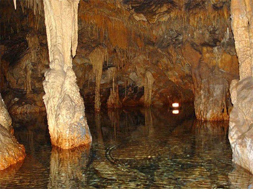 Cave Of Diros, Peloponnesos, Greece