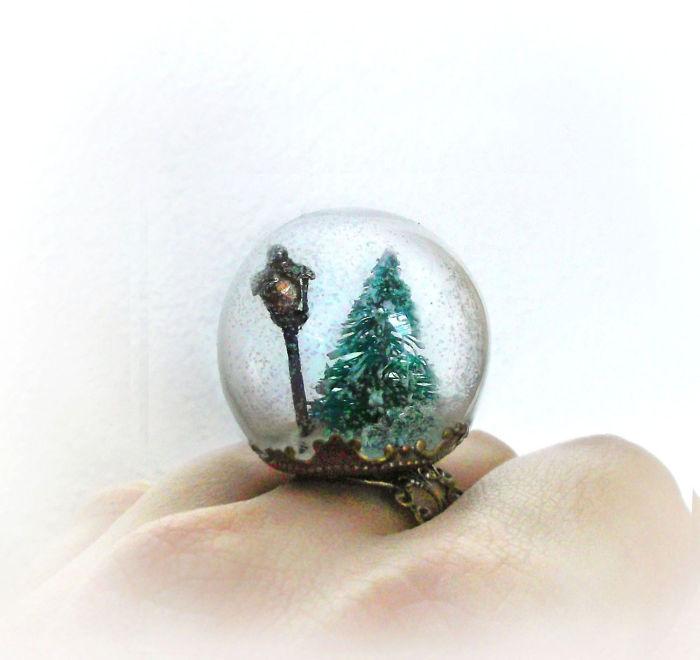Christmas Snow Globe Ring