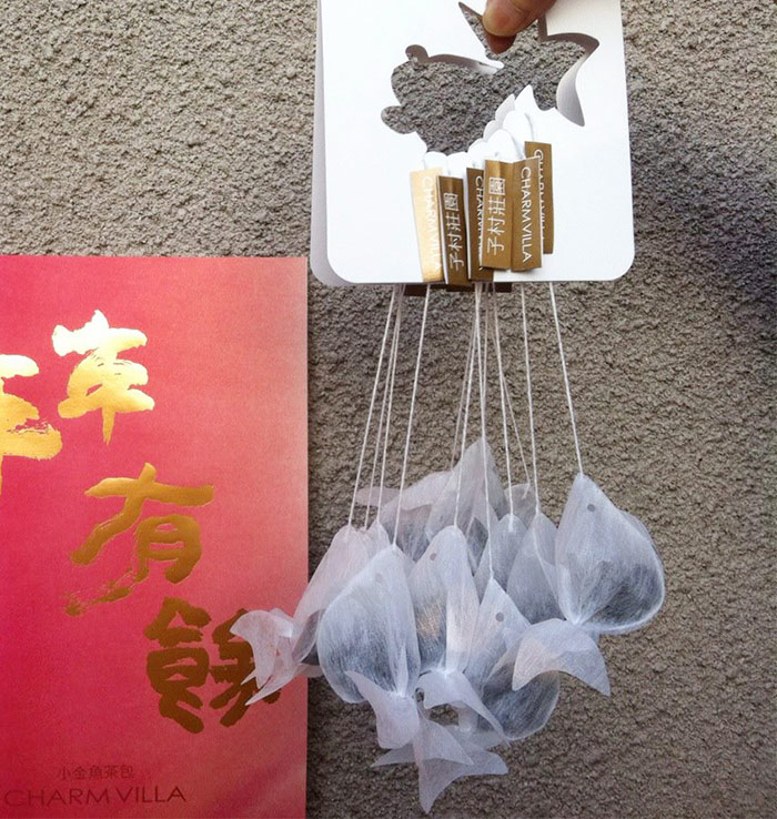 gold-fish-tea-bag-charm-villa-1