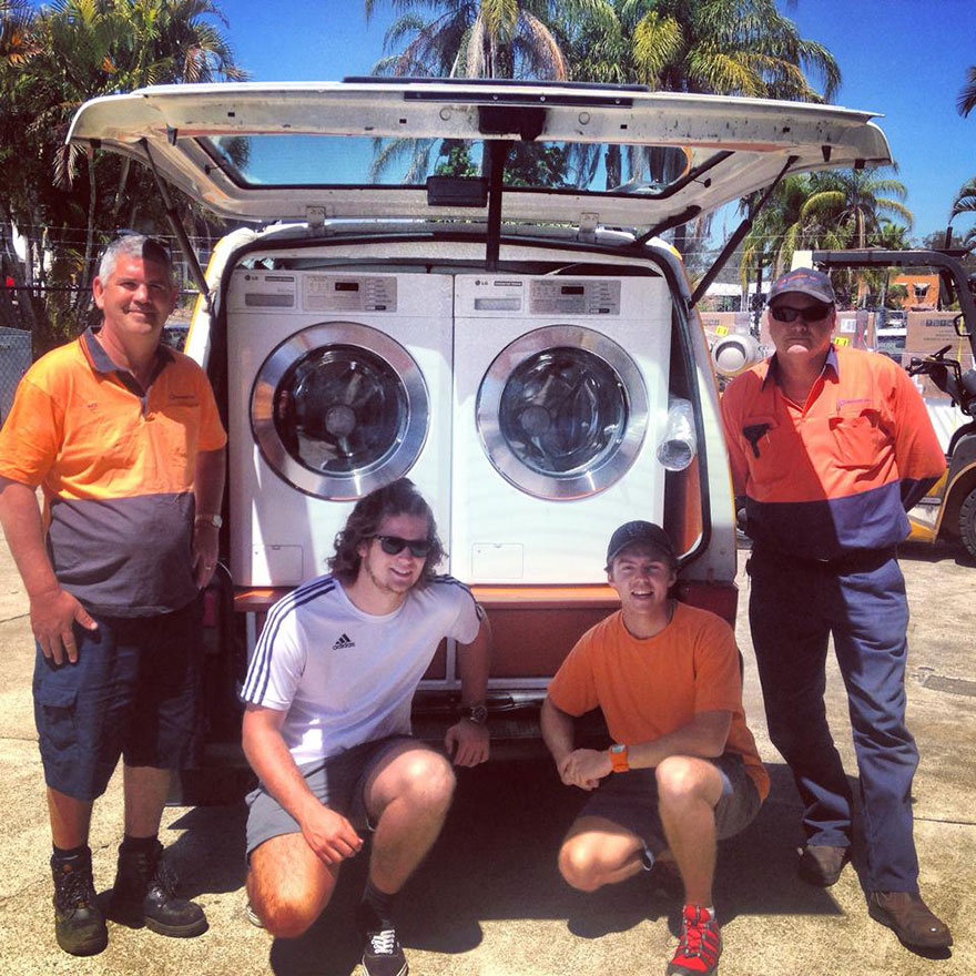 homeless-moving-laundromat-orange-sky-laundry-australia-1