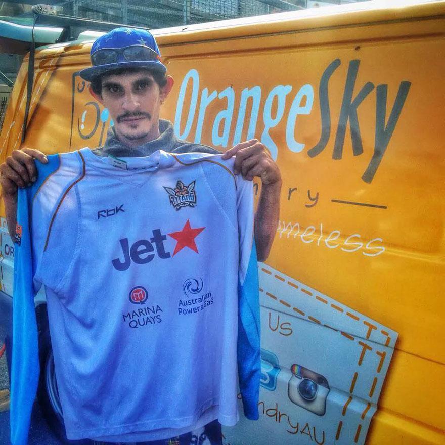 homeless-moving-laundromat-orange-sky-laundry-australia-4