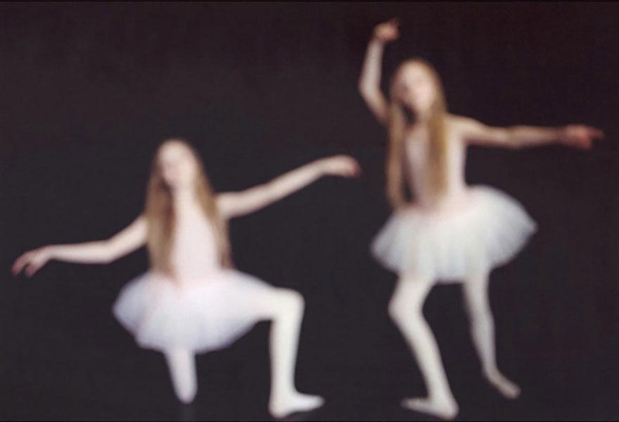 identical-twins-erna-hrefna-photography-iceland-ariko-inaoka-11