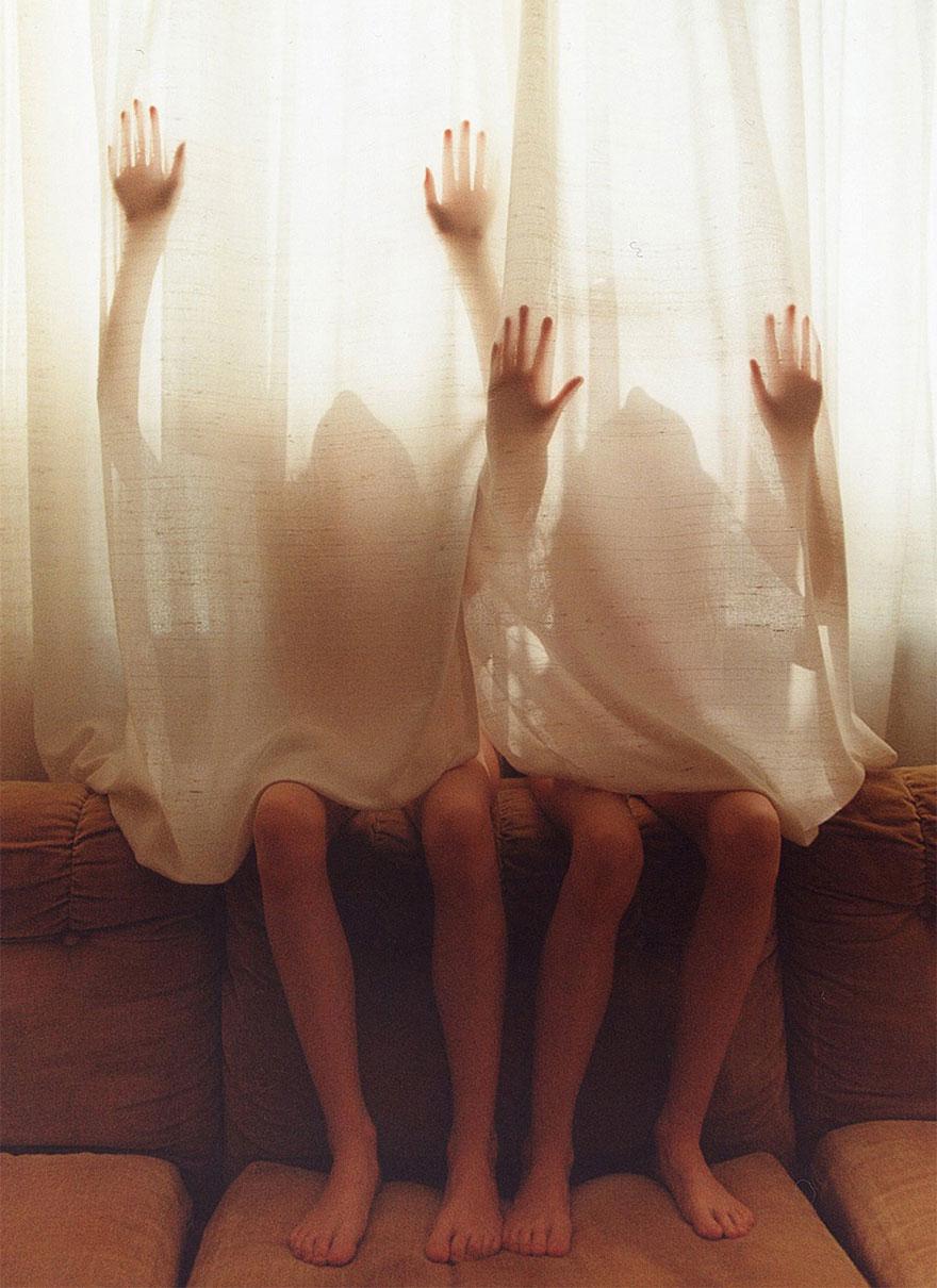 identical-twins-erna-hrefna-photography-iceland-ariko-inaoka-14