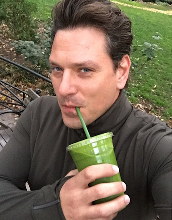 The Detox Smoothie Selfie
