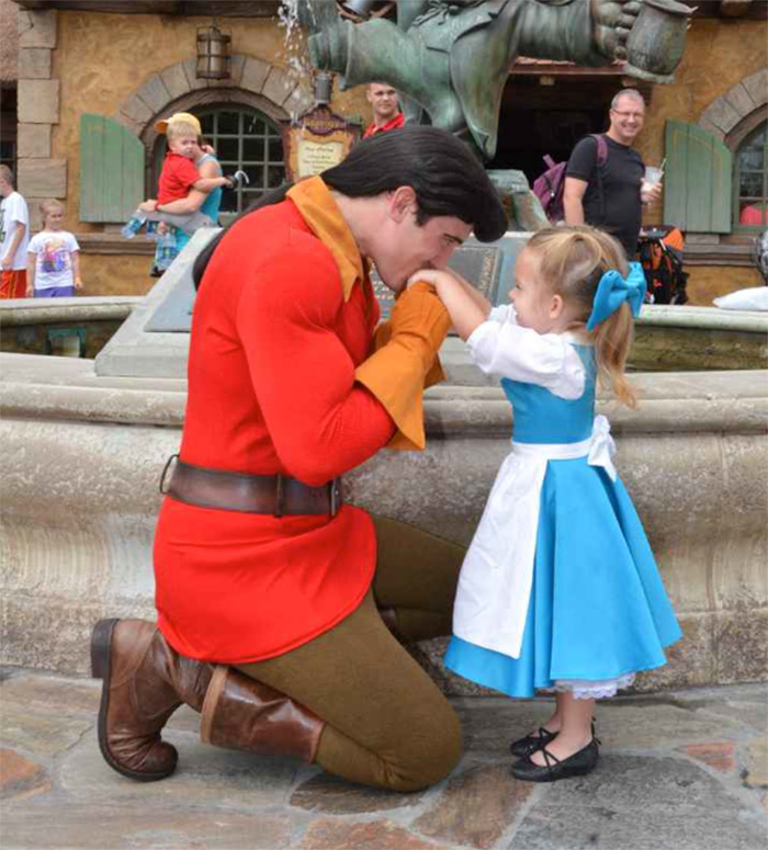 Mom Sews Incredibly Accurate Disney Costumes For Her Daughter To Wear At Disney World