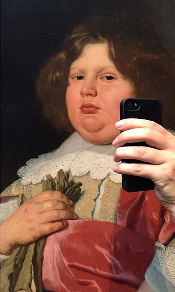 museum-historical-portrait-selfie-olivia-muus-1