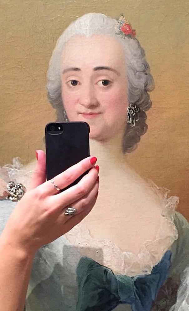 museum-historical-portrait-selfie-olivia-muus-2