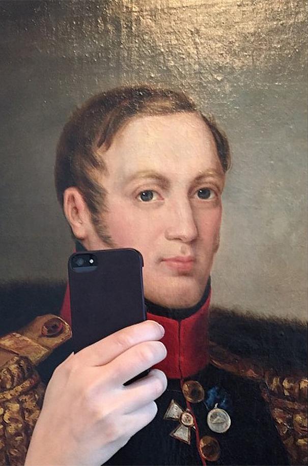 museum-historical-portrait-selfie-olivia-muus-4