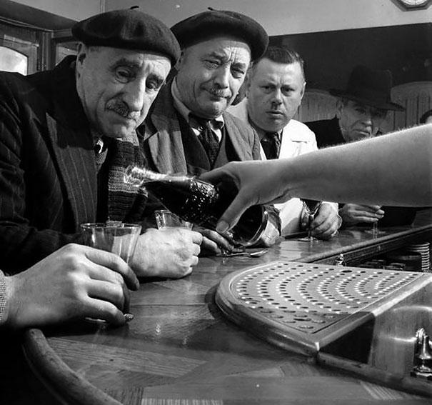 Coca-Cola Comes To France, 1950