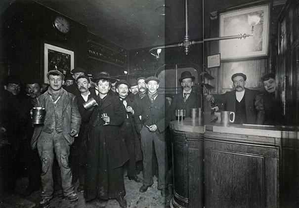 Interior Of A London Pub, 1898