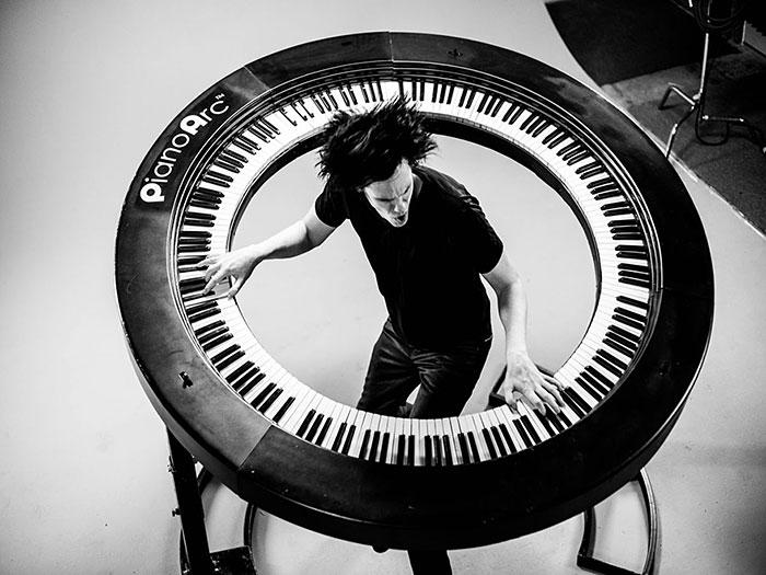 Lady Gaga's Lead Keyboardist Invents 360° Keyboard With 294 Keys