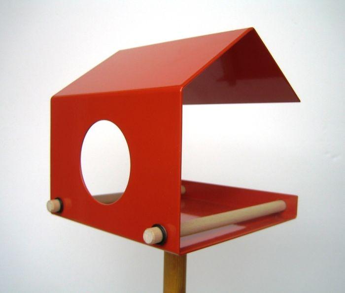 Bird Feeder - Flyby