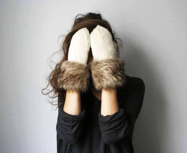 Wool Mittens With Fur Fringe