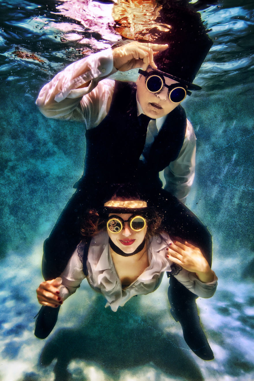 Underwater Engagement Shoots: New Trend For A New Year