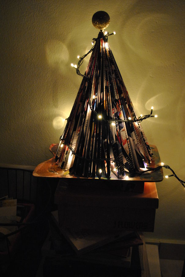 Magazine Christmas Tree!!