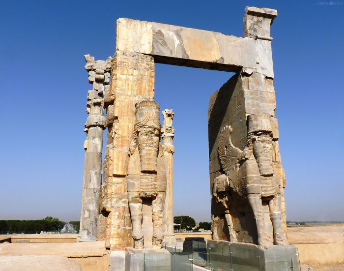 Other Place Of Shiraz: Persepolis(takhte Jamshid-parse)- Nation Gate(2500 Bc)