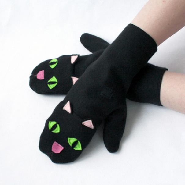 Black Cat Mittens