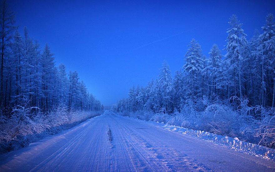 mais fria-village-Oymyakon-russia-amos-chaple-22