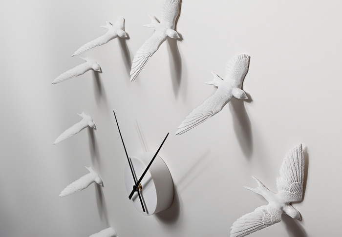 Flying Sparrow Clock