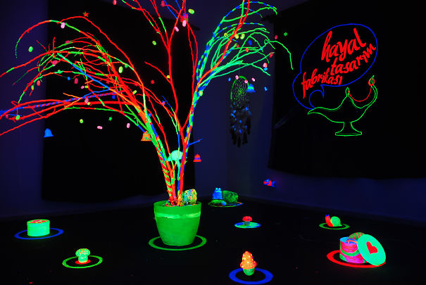uv christmas tree