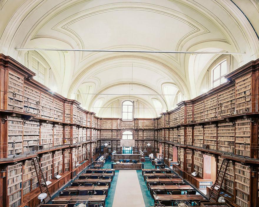 Leer en ellas es un lujo House-of-books-libraries-franck-bohbot-3