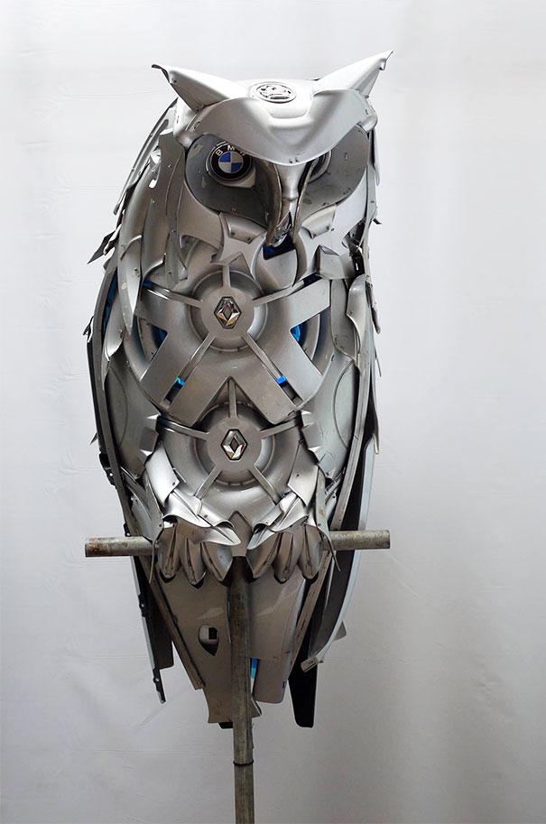 calotas-reciclagem-art-upcycling-ptolemy-Elrington-1