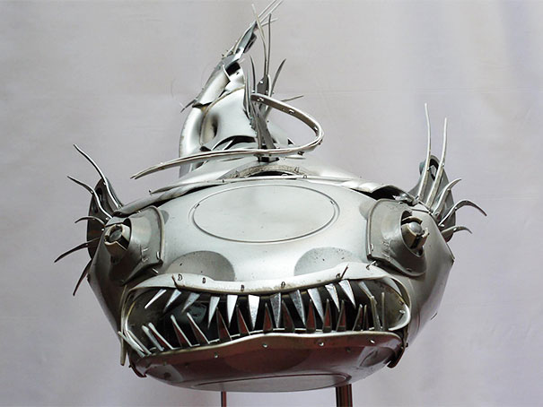 hubcaps-recycling-art-upcycling-ptolemy-elrington-16