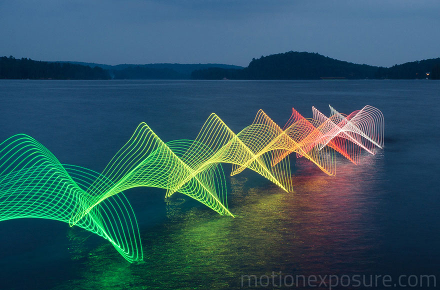 the motions of canoers and kayakers revealed with leds in long exposure photography bored panda. Black Bedroom Furniture Sets. Home Design Ideas