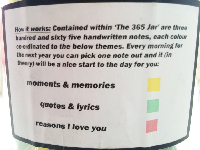Perfect Boyfriend Puts 365 Love Notes In A Jar For His Girlfriend