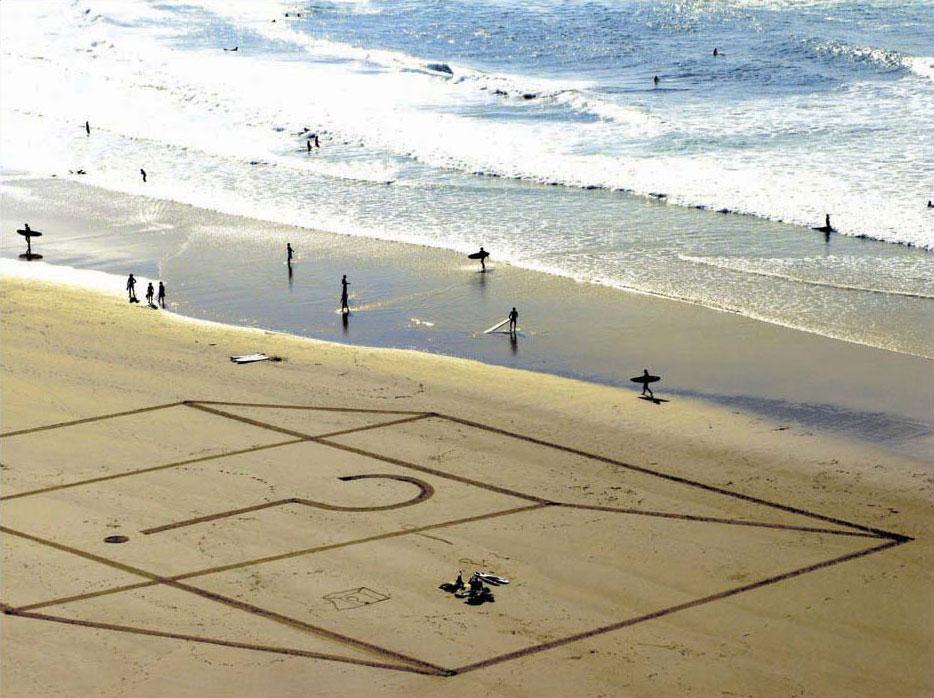 massive-drawings-beach-sam-dougados-1