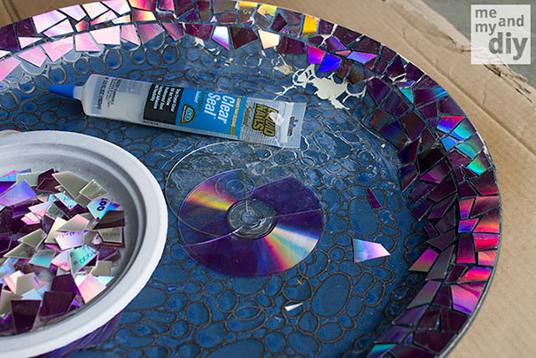 21 brilliant diy ideas how to recycle your old cds bored panda mosaic tile birdbath solutioingenieria Image collections
