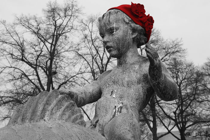 Winter Is Coming: Statues Around The World Get Hats