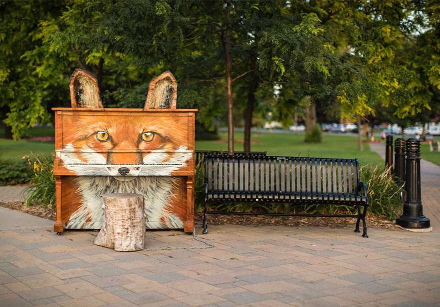 Pianos de la calle Street-pianos-play-me-im-yours-project-ontario__880