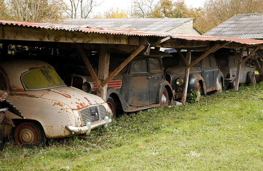 60 Vintage Cars Found After 50 Years Of Neglect On French Farm Are Worth At Least £12 Million