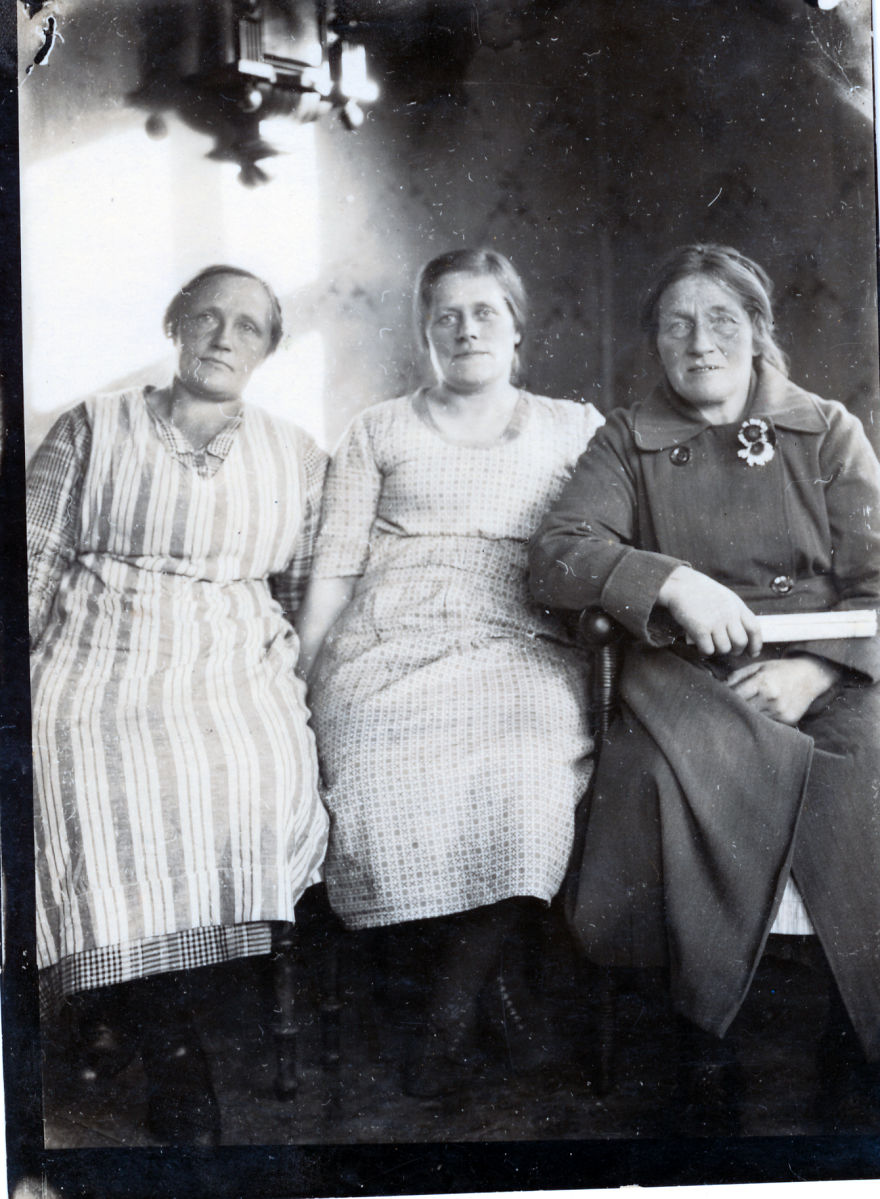 Icelandic Womens In The Country (1930-1940)