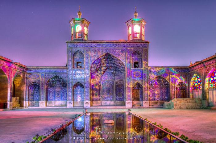 La Mosqueé Nasir Al-molk, La Plus Magnifique Mosqueé Au Monde