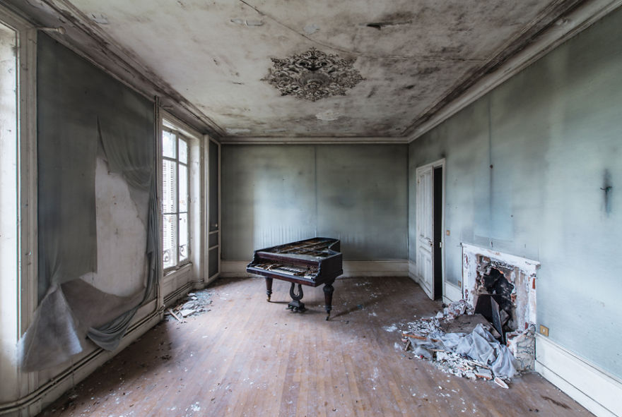I Photograph Abandoned Buildings During My Travels Across Europe