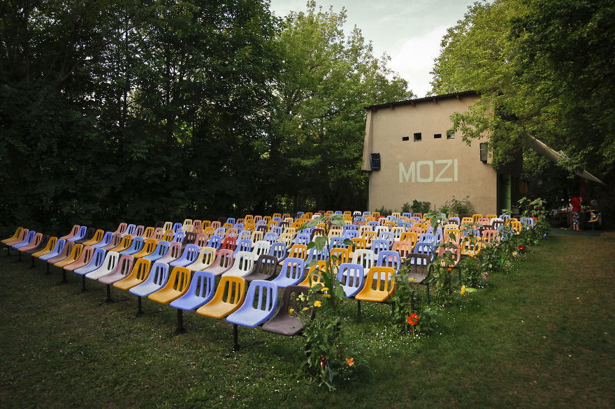 Fövenyes Kertmozi-balaton Mozi, Balatonudvari, Hungary