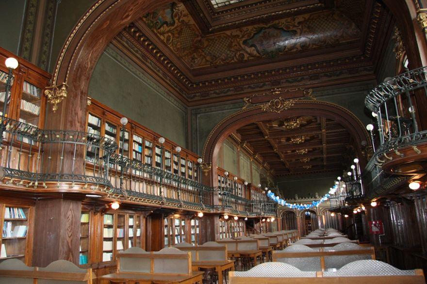 """Universidad Técnica """"gheorghe Asachi"""" Biblioteca, Iasi, Rumania"""