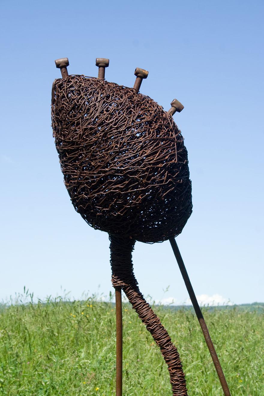 Abstract Wire Sculptures By David Vanorbeek