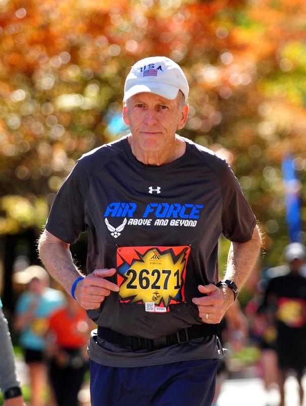 Larry Manross, 70, Sales Vp, Former Af Officer, Marathoner
