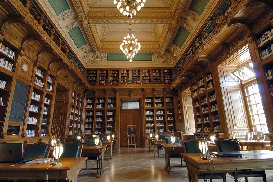 "Central University Library Of Bucharest (biblioteca Centrală Universitară ""carol I"")"