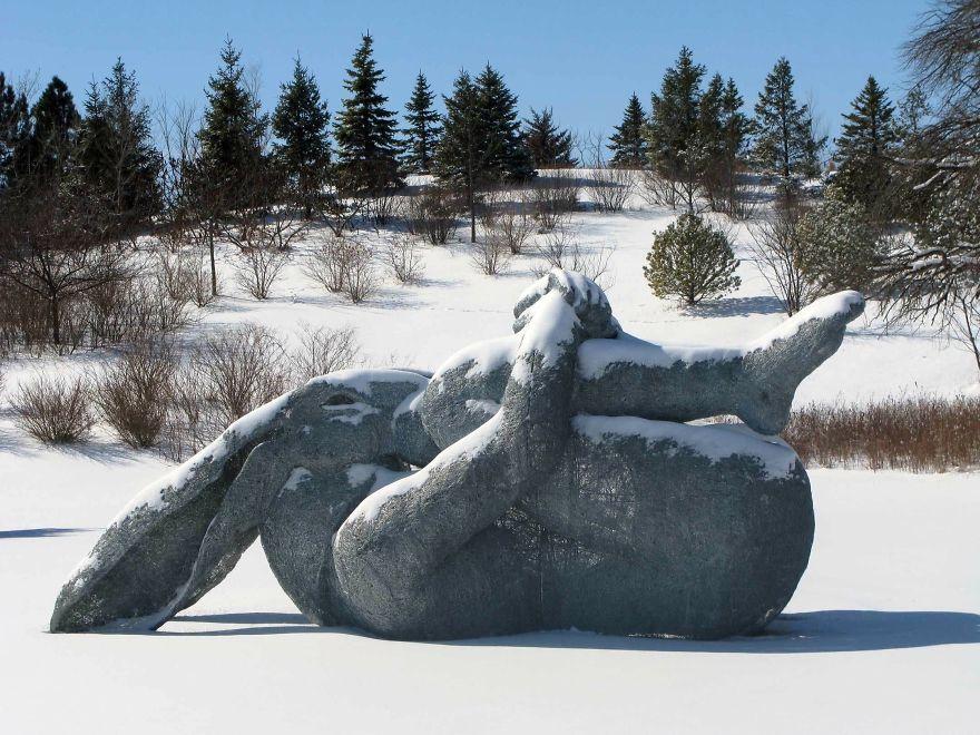 Upside Down Kneeling, Wire Sculpture 2008