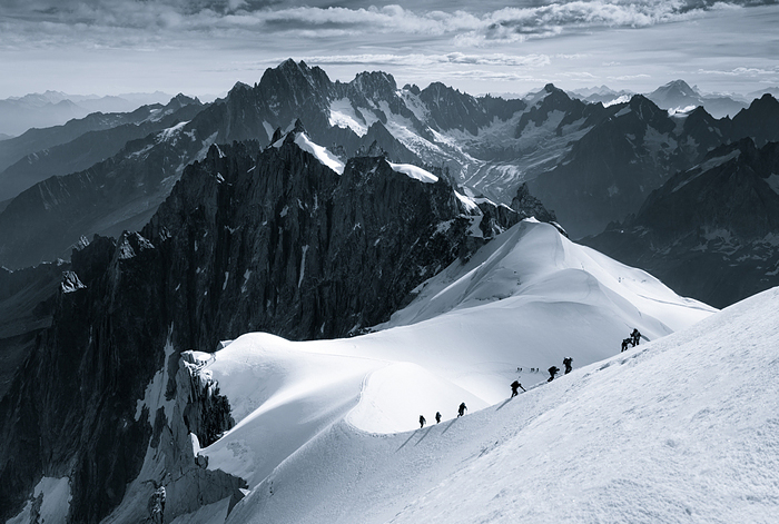 The Scale Of Nature: I Photographed People In The Alps To Show How Small We Are