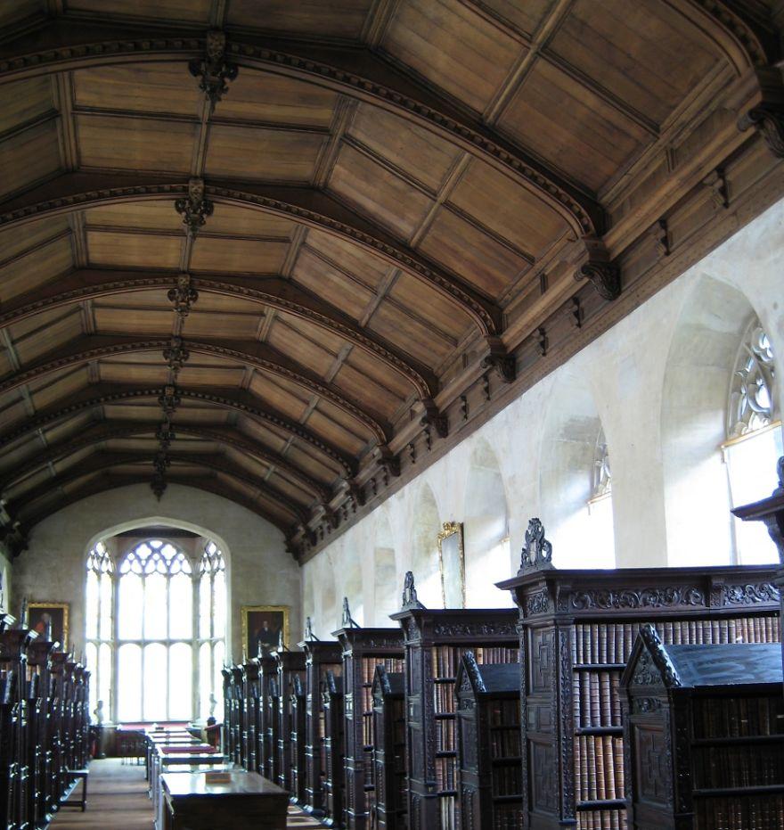 Biblioteca del Colegio de San Juan, Cambridge, Reino Unido