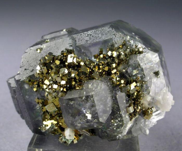 Fluorita / cuarzo / pirita Combinación