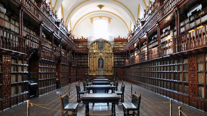 Palafoxian Library Mexico Puebla