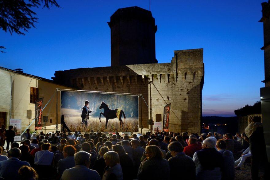 Summer Cinema - Bourdeilles - Dordogne - France (cinéma En Plein Air Ciné Passion En Périgord)